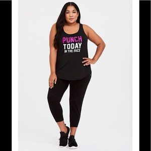 NWT💫Torrid Blk Wicking Punch Today Active Tank